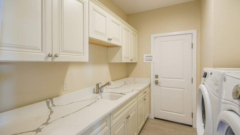 Veraison laundry room