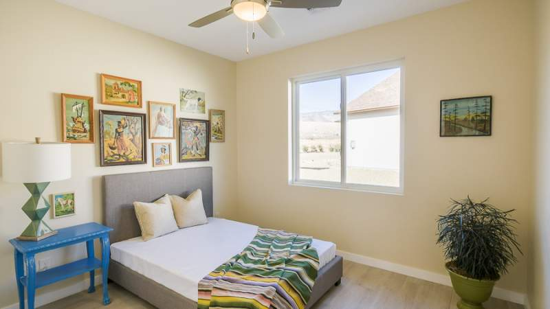 Veraison guest bedroom